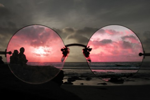 large-rose-colored-glasses-on-beach1
