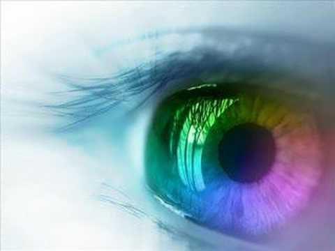 rainbow_eyeball_by_vamphannah-d2y2ajt